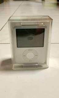 Apple iPod Nano 3rd generation silver (4gb) model A1246