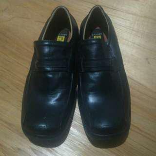 Sepatu Grutty Pantofel Size 41