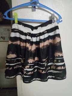 Short round skirt