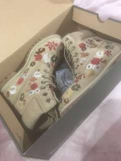 LIMITED EDITION Floral Timberland Boots - Size 6 - FREE TRACKED POSTAGE