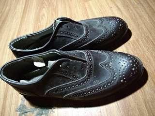 Sepatu pentophel classic