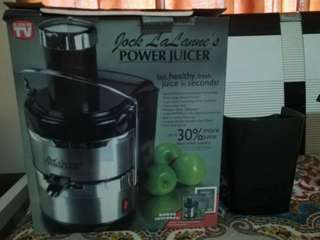 ELECTRIC JUICER. Jack Lalanne's Power Juicer Stainless-Steel
