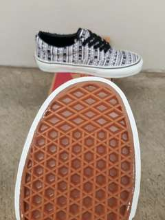 READY STOCK  PREMIUM BNIB  MADE IN CHINA  WAFFLE DT VANS ERA (AZTEC) BLACK/WHITE SIZE 37/38/39/40