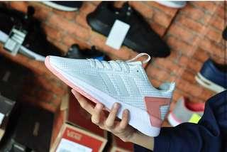 Sneaker Adidas Questar Wanita Keren