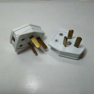 Flat pin plug for overseas use. New, never used