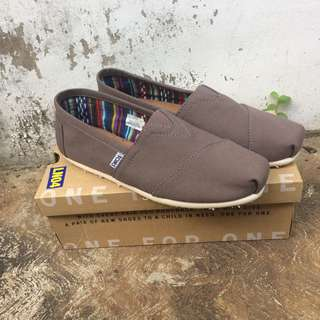 Toms m ash canvas
