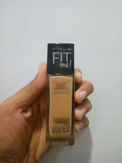 MAYBELLINE Fit Me Foundation Dewy 230 Natural Beige