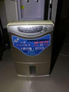 三菱 MITSUBISHI MJ-E16P 16公升 可乾衣 抽濕機 Dehumidifier