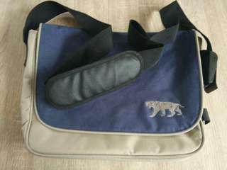Sport messenger bag authentic quality