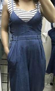 現貨 韓國東大門 女裝 牛仔吊帶連身褲 型人必備(P02)