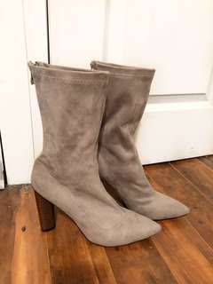 """MISSGUIDED - Grey Suede """"Yeezy Inspired"""" Sock Boots (10)"""