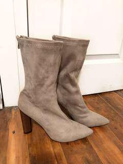 "MISSGUIDED - Grey Suede ""Yeezy Inspired"" Sock Boots (10)"