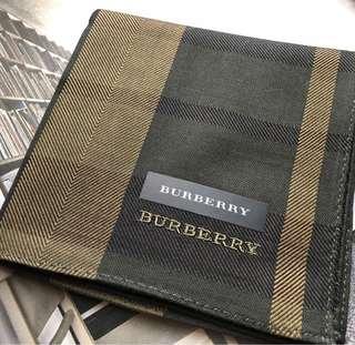 🚚 日本製Burberry 經典圖紋男性紳士手帕,46/46