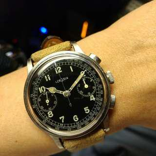 Vintage Lemania 15tl chronograph, oversized 37mm featured a glossy gilt dial