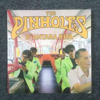 The Pinholes - D'antara Kita