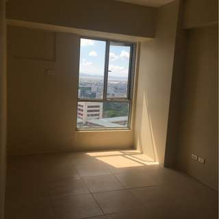 Furnished or Unfurnished 1 Bedroom FOR RENT Avida Towers 34th BGC