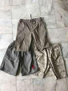 Lot of 3 khaki shorts for boys age 6-7