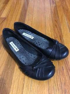 Black Ballet Flats (American Eagle - 7)