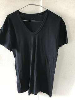 黑色素T-shirt