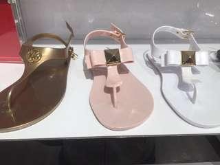 🚚 MK粉色涼鞋👡24號