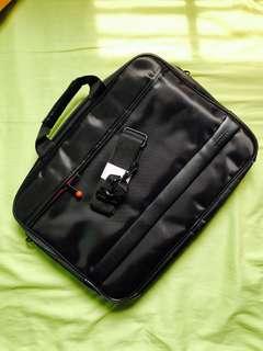 BN Lenovo Dicota 15 inch BISmart Carry Case Laptop Sling / Hand Carry Bag