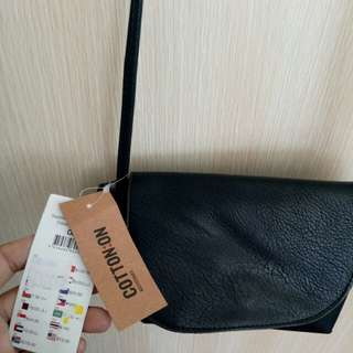 Cooton on ori sling bag