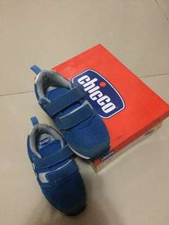 Boy's Shoes size 26