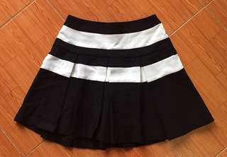 Unused Pleated Short Skirt