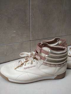 Reebok shoes prelove