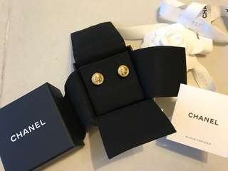 Chanel 2018 早秋限量耳環 全新