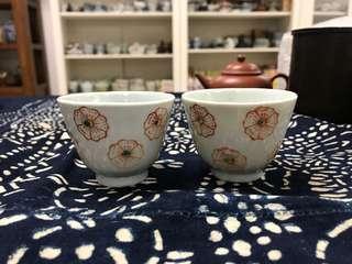 清晚民初矾紅梅花紋杯#3525-3, 6.5*4.9cm左右,品相基本完整,對出價,
