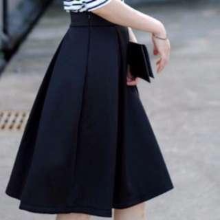 BNIB Korean Style Minimalist Black Pleated Flare Knee Length Skirt
