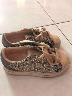 Sepatu zara size 27