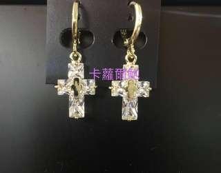 🚚 鑲鑽十字架耳環