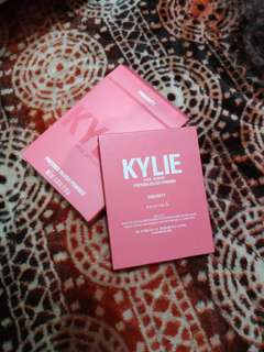 Kylie jenner pressed blush powder shade virginity