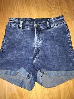 H&M Highwaisted Denim Shorts (Size S)