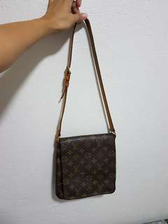 Authentic💯LV musette