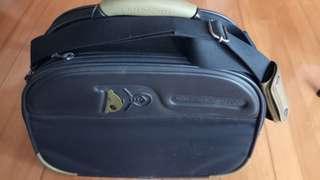 Mandarina Duck 旅行袋
