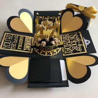 Explosion box with cake , 4 waterfall in black and gold