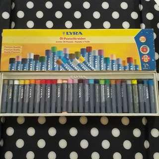 Lyra Oil Pastels