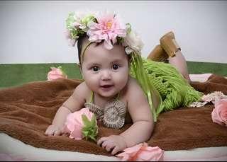Hawaiian or tropical costume for babies