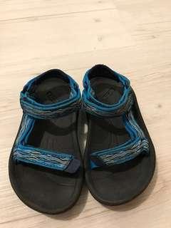 日本牌Teva 涼鞋