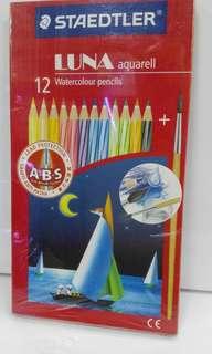 STAEDTLER 木顏色筆套裝。可水彩用。1套12枝。原裝行貨