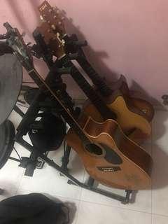 Versa-stand guitar holder/rack for 5 guitars