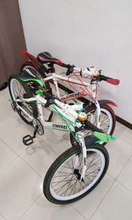 """2 kids' bikes for 8 to 14 yr old 20"""" and 22"""""""