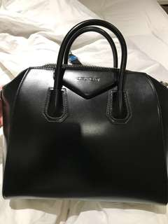 Givenchy Antigona, 99% new