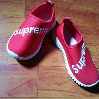 Kids shoes size 26
