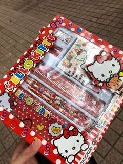 1 set hello kitty 文具套裝 100%new