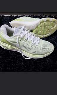 SALE NIKE Lunarlon Rubbershoes Size 7
