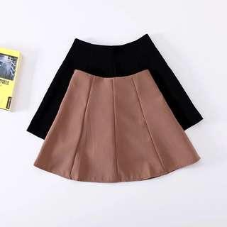 藕粉色高腰短裙